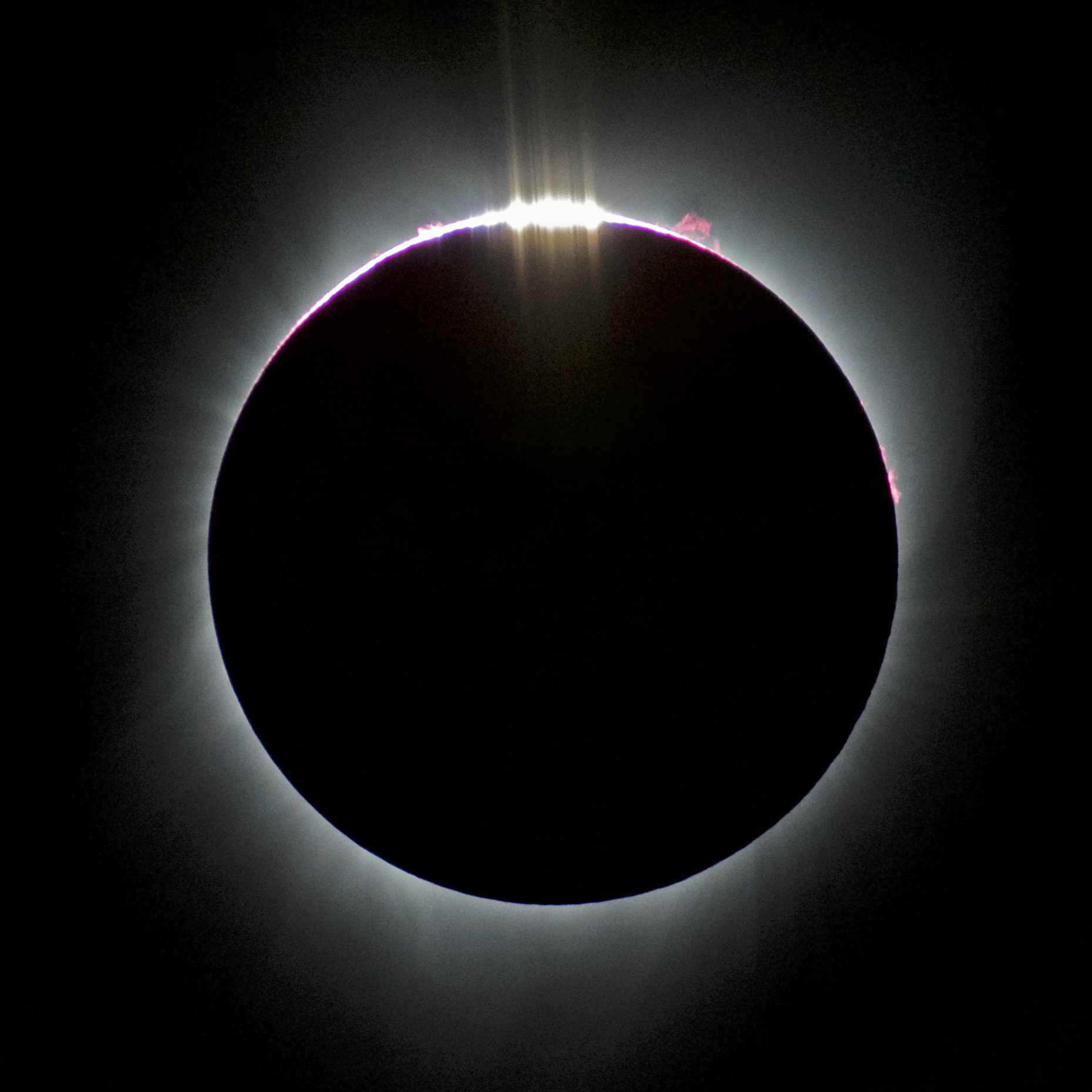 eclipse_baily_prominence_redder