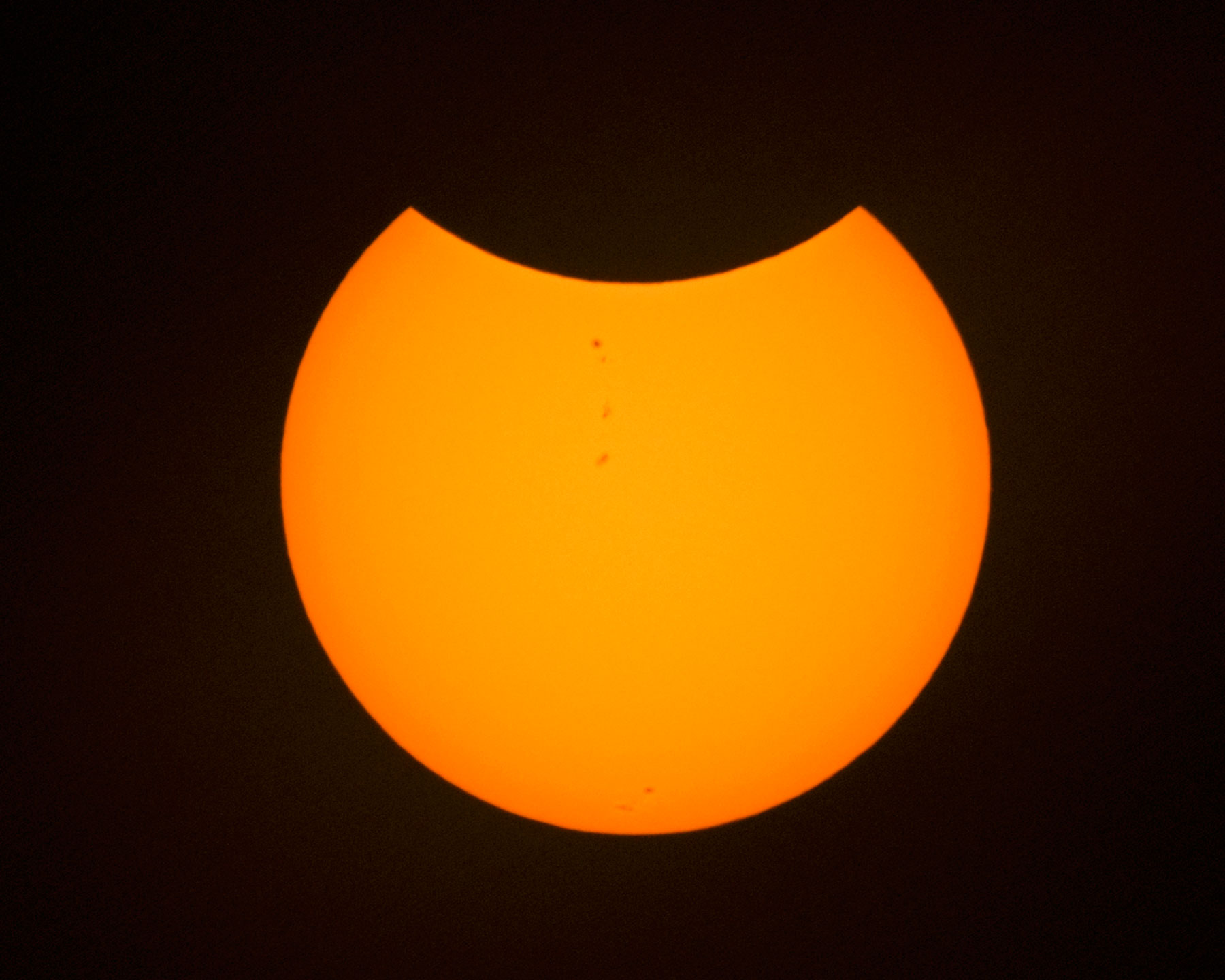 eclipse_partial_orange